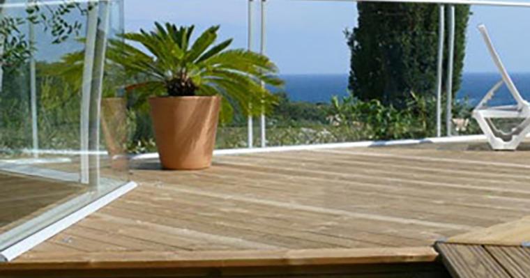 savoir cr er une terrasse qui agrandit votre jardin sur une petite surface. Black Bedroom Furniture Sets. Home Design Ideas