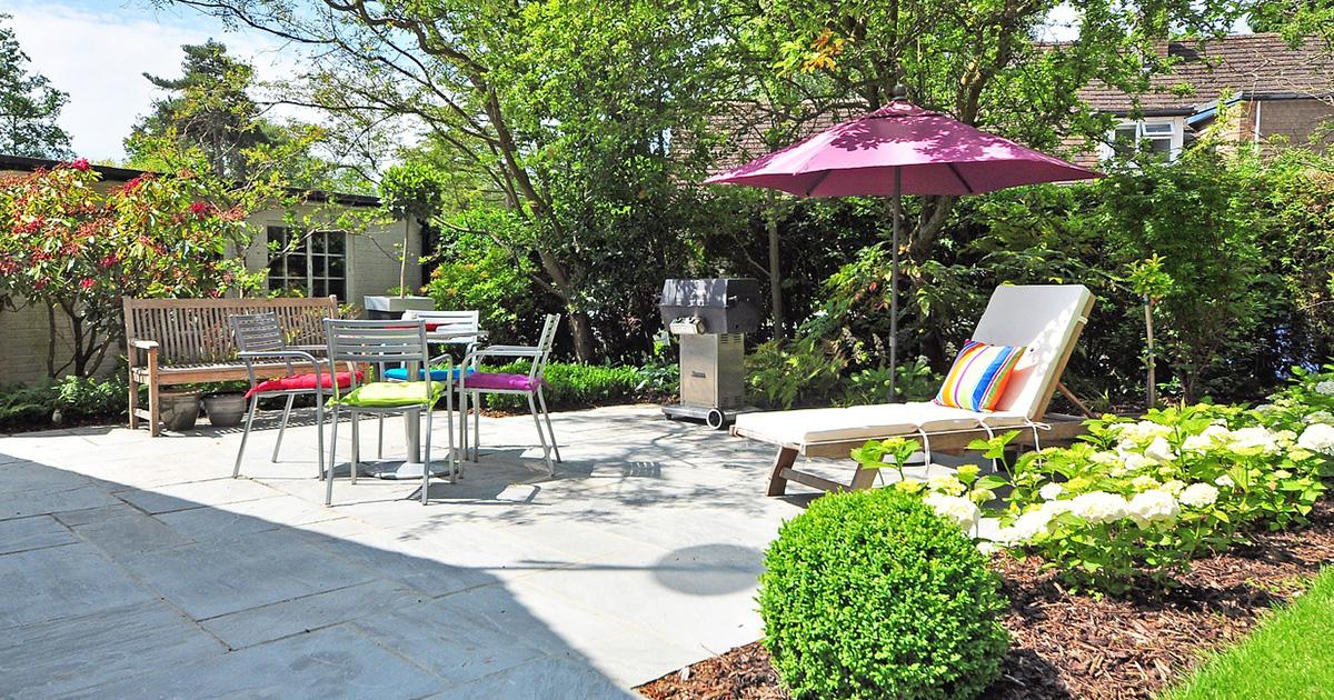 planter un arbre quand le faire quelles r gles blog piscine jardin. Black Bedroom Furniture Sets. Home Design Ideas