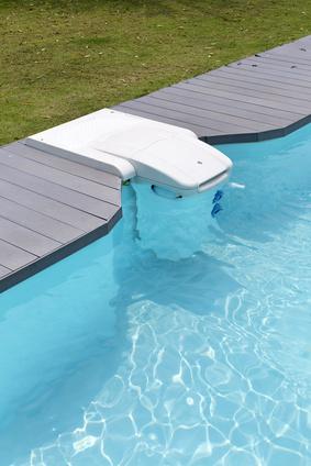 Exemple de skimmer de piscine