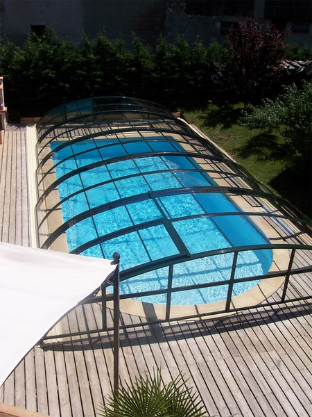 Abris bas pour piscine pour votre s curit piscine jardin for Abri de piscine kokoon