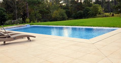 Mod les de piscines ext rieures et int rieures au nord de for Systeme piscine a debordement