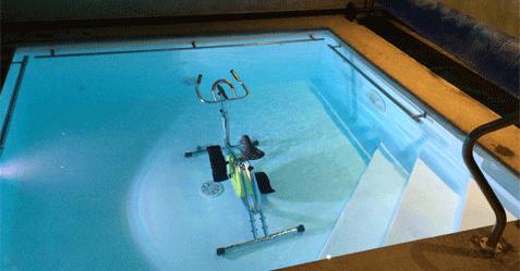 Piscine professionnelle pour la pratique de la kinésithérapie en milieu aquatique
