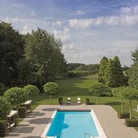 Piscine extérieure romane – Riviera Pool