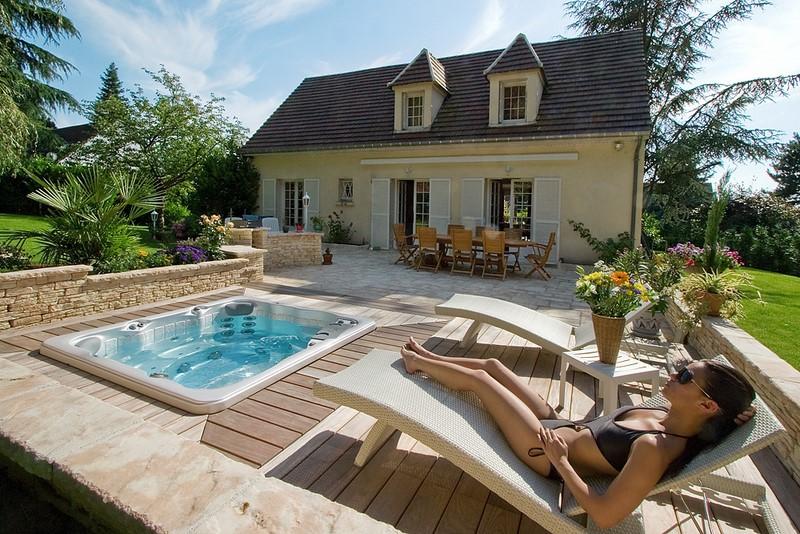 Installateur spa dans le nord lille piscine jardin - Piscine dans petit jardin ...