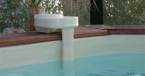 Alarme de sécurité piscine à poser sur la margelle détectant un mouvement dans l'eau.
