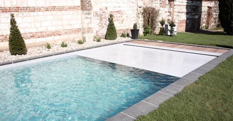 Couverture et s curit des piscines piscine et jardin for Securite piscine miroir