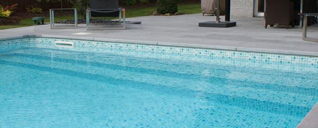 Installation d 39 escalier de piscine dans la r gion lilloise for Fourniture pour piscine