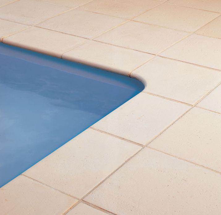 margelles pour piscine en pierres reconstituées - Piscine & Jardin