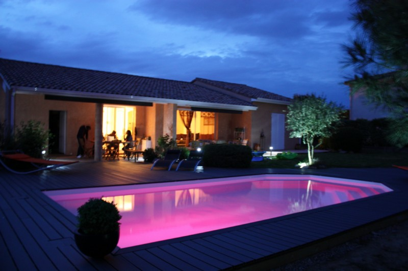 eclairage piscine spots leds tanches au nord de la france. Black Bedroom Furniture Sets. Home Design Ideas