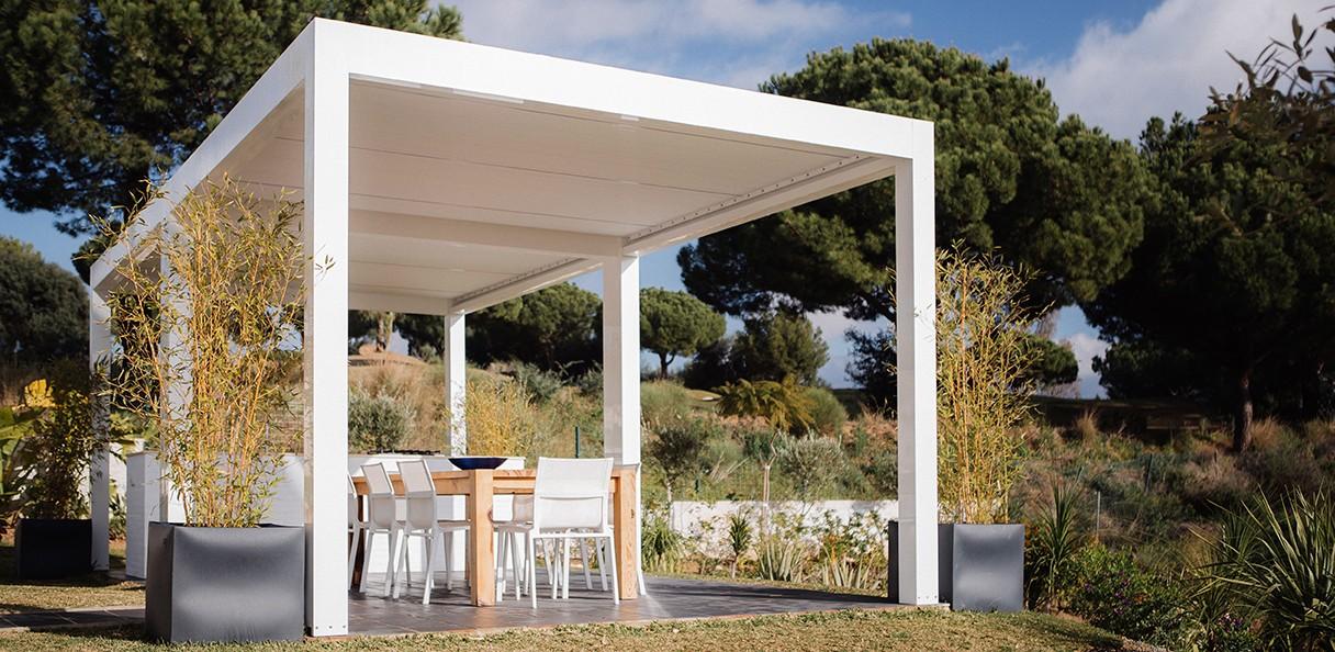 pergola bioclimatique installation de votre pergola. Black Bedroom Furniture Sets. Home Design Ideas
