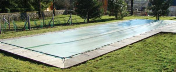 couverture hiver piscine cool dlicieux produit d hivernage piscine woody la couverture with. Black Bedroom Furniture Sets. Home Design Ideas