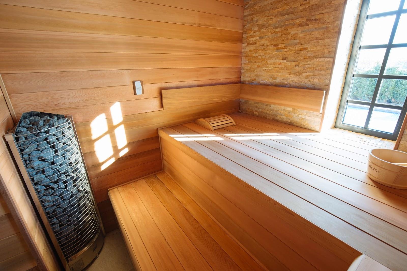D couvrez les vertus apaisante d 39 un sauna dans votre maison avec piscine - Sauna traditionnel ou infrarouge ...