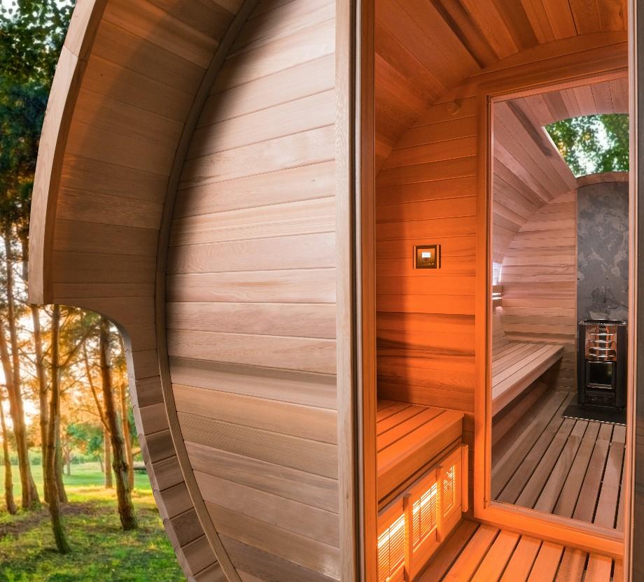 Devanture et intérieur du sauna Barrel de votre magasin Piscine&Jardin
