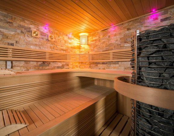 sauna chaleur de luxe piscine et jardin - sauna traditionnel