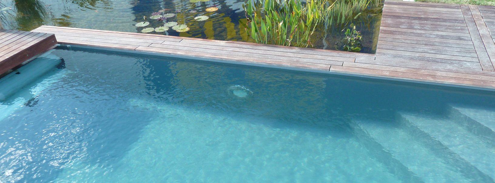 Exemple d'escalier de piscine en angle droit