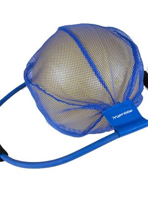 Ballon et élastique pour un entraînement complet en spa de nage.