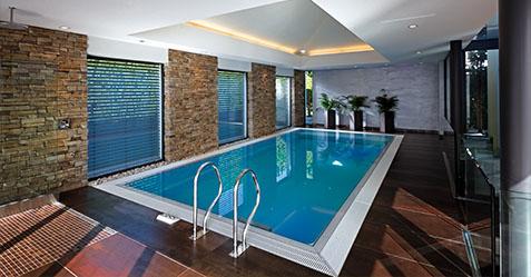 Constructeur de piscine intérieure à Lille, Piscine et Jardin réalise votre projet pour une utilisation toute l'année - PISCINE ET JARDIN LE TOUQUET 62