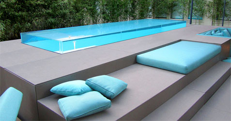 La piscine en verre est certainement l'un des éléments les plus design dans le domaine de la piscine - PISCINE ET JARDIN Boulogne sur mer 62