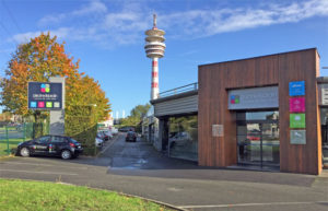 Showroom de vente Piscine et Jardin situé sur le Boulevard de l'ouest à Villeneuve d'ascq / Lille